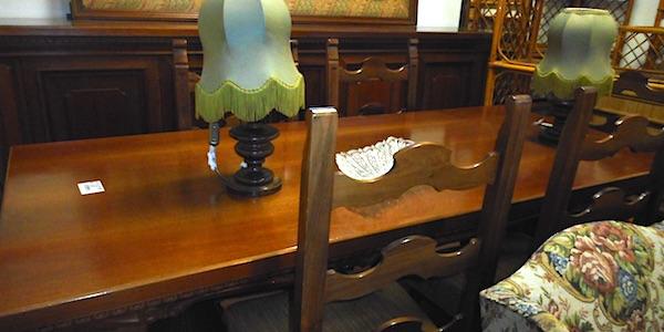 Tavolo Con Sedie Usato.Tavolo Con Sei Sedie Mobili Usati Copia Usato D Autore