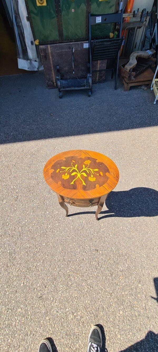 Tavolino Intarsiato